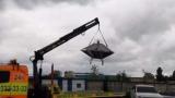 В Киеве на эвакуаторе видели летающую тарелку